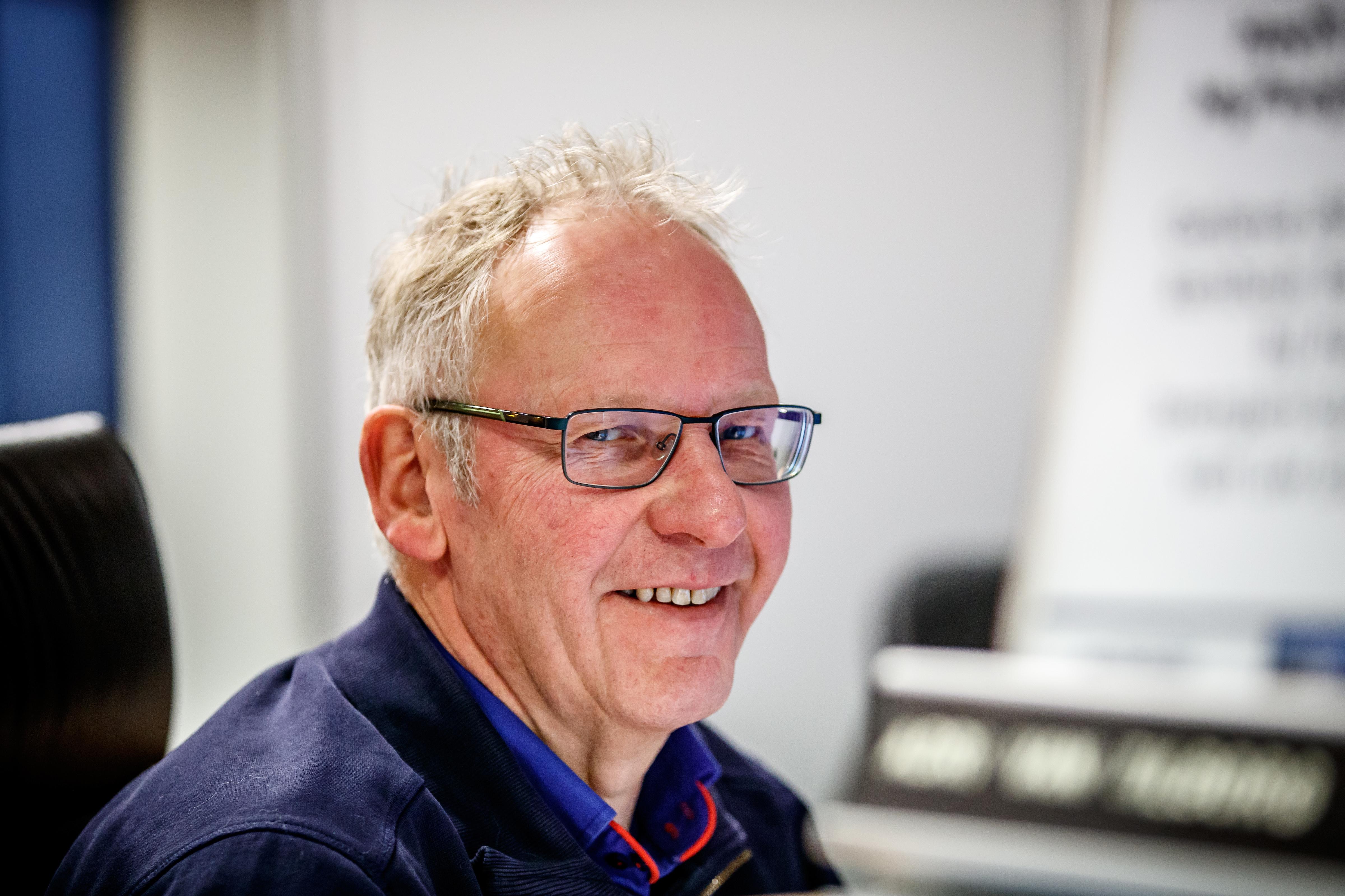 Autobedrijf van tilborg zaltbommel openingstijden for Autobedrijf avan